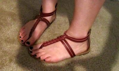 Predicas Cristianas - ¿A que huelen tus pies?
